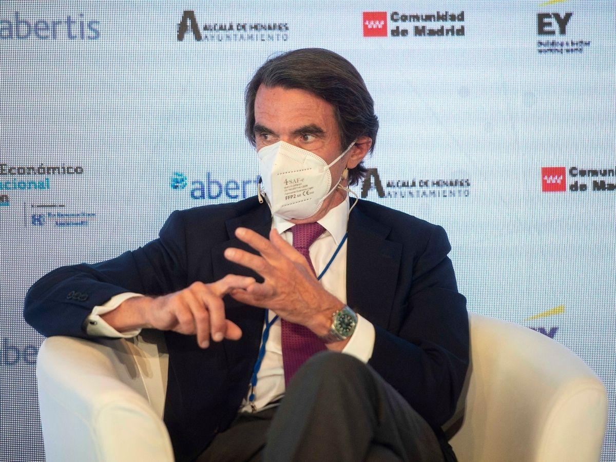El expresidente del Gobierno de España, José María Aznar, participa en la sesión 'Globalización en un orden internacional en constante cambio' del II Foro Económico Internacional, a 8 de junio de 2021, en el Parador de Alcalá de Henares, Alcalá de Henares, Madrid,