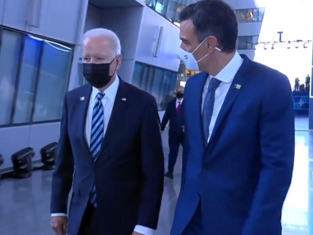 La 'cumbre' Biden-Sánchez fue un paseo de 30 segundos en la sede de la OTAN EFE