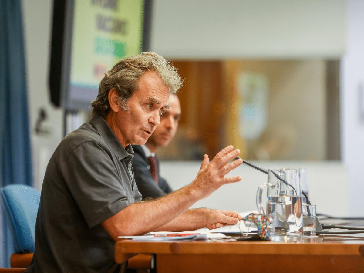 El director del Centro de Coordinación de Alertas y Emergencias Sanitarias, Fernando Simón, durante una rueda de prensa para informar sobre la pandemia de Covid-19, a 12 de julio de 2021