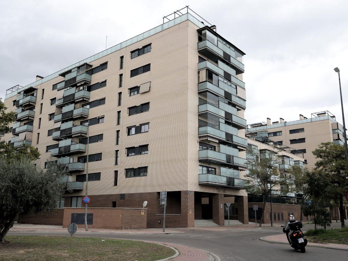 Bloques de edificios habitados en la capital el mismo día en que el Gobierno de coalición ha informado que han llegado a un acuerdo que regula el precio del alquiler, a 5 de octubre de 2021, en Madrid, (España).
